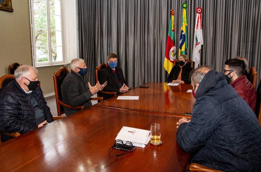 Lideranças da construção civil de Santa Cruz do Sul se reúnem com Executivo Municipal